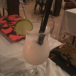 クアラルンプールのBijan(ビジャン)で熱帯フルーツカクテルとマレー系料理を楽しむ